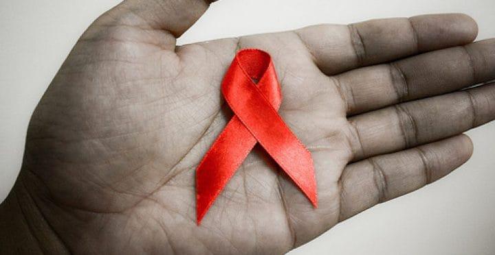 Psicologos CDMX. La atención psicológica con las personas VIH positivo/SIDA y sus familias